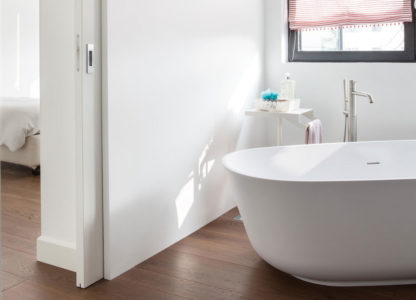 Flush-bathroom-pocket-door___89018.1504089651